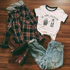 Looks despojados ❤ #hipsteroutfits