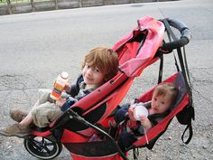 Double #Stroller Boys  I do so love the e3 Explorer from Phil & Ted.    http://www.prohmote.com/
