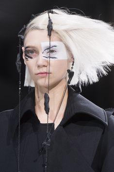 Yohji Yamamoto at Paris Fashion Week Fall 2018 - Details Runway Photos