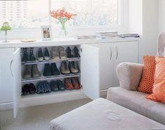 Closets imensos não são a única saída para quem quer ter seus sapatos em ordem.