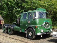 ERF one of the golden brothers. Classic Trucks, Classic Cars, Old Lorries, Heavy Duty Trucks, Heavy Machinery, Tractor Parts, Us Cars, New Trucks, Commercial Vehicle