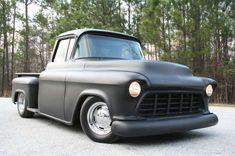 Low and fast! 55 Chevy Truck, Chevy 3100, Classic Chevy Trucks, Chevy Pickups, Chevrolet Trucks, Gmc Trucks, Classic Car Show, Classic Cars, Auto Body Work