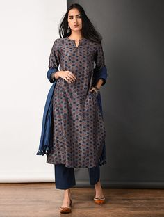 Buy Purple Ajrakh printed Silk Cotton Kurta with Pockets Women Kurtas Appeal Exquisite Chanderi pieces for dressier evenings Online at Jaypore.com Printed Kurti Designs, Silk Kurti Designs, Kurta Designs Women, Kurti Designs Party Wear, Blouse Designs, Dress Indian Style, Indian Dresses, Indian Outfits, Indian Designer Outfits