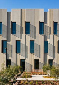 gensler tilt up office building at ucsd san diego ca Concrete Facade, Concrete Texture, Precast Concrete, Concrete Houses, Concrete Building, Brick Architecture, Industrial Architecture, Architecture Details, Beton Design