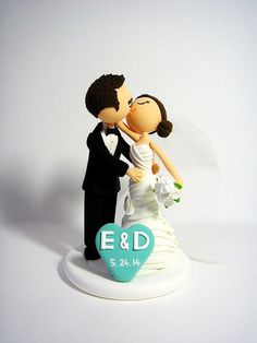 How romantic~!  This listing is for romantic couples. :)    ** All cake toppers are 100% handmade from clay without the use of molds. **    Materials: