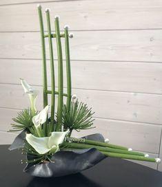 Contemporary Flower Arrangements, Tropical Floral Arrangements, White Flower Arrangements, Creative Flower Arrangements, Ikebana Flower Arrangement, Ikebana Arrangements, Design Floral, Deco Floral, Arte Floral