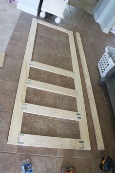 "building a screen door | the handmade home -- can be used to build cabinet doors for my ""blue cabinet"" pallet cabinet..."