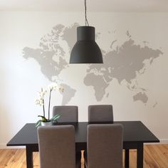 DIY mappemonde murale - peindre une carte du monde sur son mur - world map on the wall - www. World Map Mural, Diy Home Furniture, Wall Maps, Cool Walls, Decoration, Sweet Home, Wall Decor, Indoor, Ceiling Lights