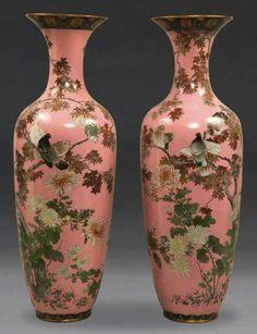 (Japan) A pair of very large cloisonne enamel vases. ca century CE. Japanese Vase, Japanese Porcelain, Japanese Pottery, Japan Crafts, Art Japonais, Glass Ceramic, Glazes For Pottery, Porcelain Vase, Chinoiserie