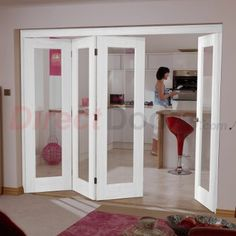 Image of LPD Nuvu Doors, Shaker P10 White 4 Door Set 3 to Left - Clear Glass