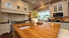 Stunning Beach House with Classy Furniture : Solid Oak Kitchen Island Countertop Coastal House Kitchen Interior