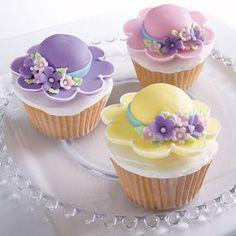 Bonnet Season Cupcakes