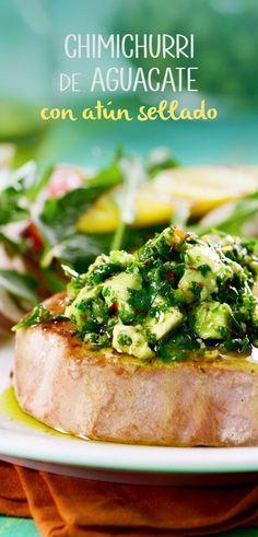 Esta receta original de chimichurri te fascinará, es el complemento perfecto para cualquier carne y que mejor, para acompañarla con un atún sellado, una receta rica en omegas y aceites esenciales.