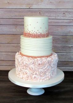 Rose gold pearl and blush pink buttercream rosette wedding .- Rose Gold Perle und erröten rosa Buttercreme Rosette Hochzeitstorte # Hochzeitstorten Rose Gold Pearl and Blush Pink Butter Cream Rosette Wedding Cake # Wedding Cakes, Cream # Blush Cake - Blush Pink Wedding Cake, Wedding Cake Roses, Wedding Cupcakes, Wedding Shower Cakes, Rosette Wedding Cakes, Wedding Gold, Wedding Cake Pearls, Rosegold Wedding Cake, Vintage Wedding Cakes