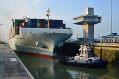 COSCODevelopment Panama tranzit the largest ship