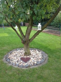 28 Awesome Rock Garden Decor Ideas For Front And Back Yard. If you are looking for Rock Garden Decor Ideas For Front And Back Yard, You come to the right place. Below are the Rock Garden Decor Ideas . Landscaping Around Trees, Landscaping With Rocks, Front Yard Landscaping, Backyard Landscaping, Backyard Ideas, Landscaping Ideas, Porch Ideas, Backyard Garden Landscape, Gravel Garden