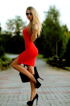8a130e977f0 62 nejlepších obrázků z nástěnky Party dresses