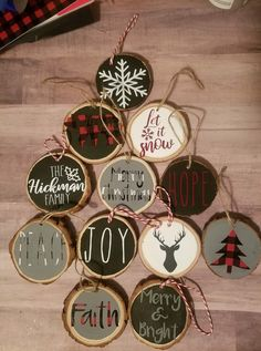 Embroidery Hoop Ornaments Vinyl Ideas Embroidery Happy New Year Christmas Wood, Diy Christmas Ornaments, Homemade Christmas, Diy Christmas Gifts, Christmas Projects, Winter Christmas, Christmas Decorations, Wooden Ornaments, Homemade Ornaments