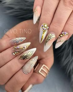 Ombre Nail Designs, Nail Art Designs, Nail Art Techniques, Feather Design, Get Nails, Rhinestone Nails, Stylish Nails, Stiletto Nails, Nail Inspo