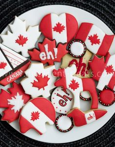 Make your Canada Day Celebration SWEET! Summer Cookies, Fun Cookies, Frosted Cookies, Decorated Cookies, Canada Day 150, Cookie Frosting, Looks Yummy, Cookie Jars, Favorite Holiday