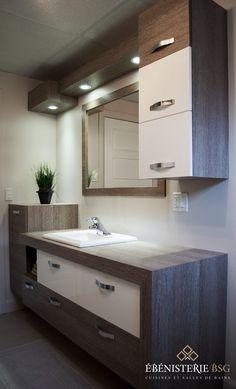 Choosing the Right Bathroom Vanity Bathroom Design Layout, Bathroom Design Luxury, Modern Bathroom Decor, Bathroom Styling, Bathroom Furniture, Bathroom Ideas, Ikea Bathroom, Bathroom Plants, White Bathroom