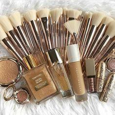 Golden beauty  #cosmetics #collection #hudabeauty #maccosmetics  #lakme #lisptick #liquidlipstick #mattelipstick #color #love #hashtag #beautiful #beauty #lipliner #eyeliner #eyeshadow #eyelashes #kajal #highlighter #blush #liquidmatte #instadaily #instalike #like4like #hashtag #instagood #matte #pink #kyliecosmetic