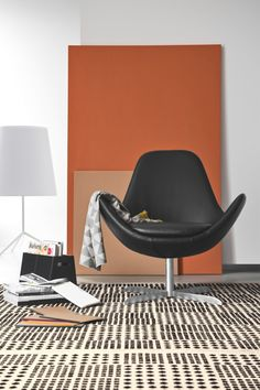Real eye catcher the Electa armchair in leather. Also available in fabric seat.