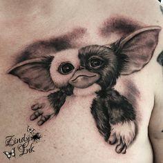 Tattoos by Zindy Ink. Original Designs and Realism Clock Tattoos, Leg Tattoos, Sleeve Tattoos, Gizmo Tattoo, Arte Cholo, Gremlins Gizmo, Movie Tattoos, Doodle Tattoo, Memorial Tattoos