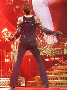 OMFG !!! SEXY DAMN BACK !!! UFFFFFFFFFFFFF HOTTTTTTTTTTTTTTTTTT Houston Encore #Queenbert  *DatAss* ^____^ pic.twitter.com/XuPuc6UDru
