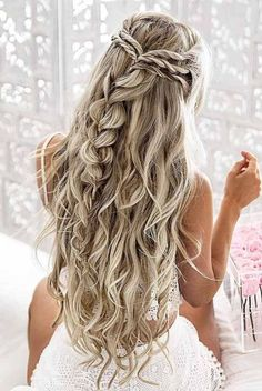 This is one of the cutest half up half down hairstyles for long hair! # Wedding Hairstyles for long hair 15 Half Up Half Down Hairstyles For Long Hair - Down Hairstyles For Long Hair, Wedding Hairstyles Half Up Half Down, Trendy Hairstyles, Braided Hairstyles, Prom Hairstyles For Long Hair Curly, Easy Prom Hair, Hairstyle Braid, Beach Hairstyles, Curly Haircuts