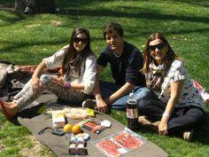 Nada mejor que un Picnic en el parque del #Retiro de #Madrid #España para pasar un buen rato con tu familia.