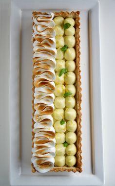 Tarte au citron meringuée Thats Amore! Tart Recipes, Sweet Recipes, Dessert Recipes, Cooking Recipes, Dessert Tarts, Sweet Pie, Sweet Tarts, Lemon Meringue Tart, Fancy Desserts