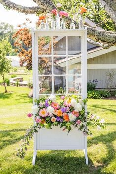 chic wedding decoration ideas with floral and old door