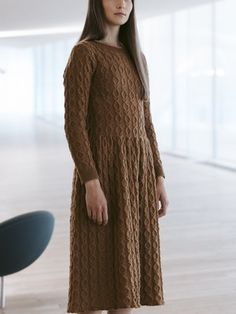 Free Knitting Pattern for a Long Sleeve Cabled Dress - Knitting patterns Cable Knitting Patterns, Knitting Designs, Free Knitting, Skirt Knitting Pattern, Knit Patterns, Knitting Projects, Knit Skirt, Knit Dress, Dress Skirt