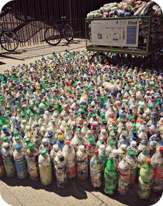 Menos basura: Bienvenidos los#ecoladrillos #eco #reciclaje #ecologia #bettyverde #labettyrizzo Blog, Ideas, Upcycling, Upcycle, City, Blogging, Thoughts