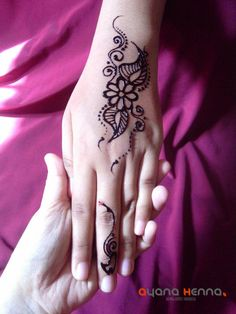 Really beautiful and simple mehndi  love it...
