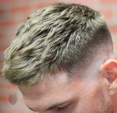 The new year will bring more creativity and style to men's hair than ever before. Classic looks are still popular but there are also plenty of fresh new looks to try. These short hairstyles for men