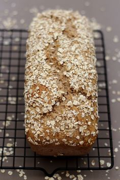 Oat bread (without bread machine) – Brot Ideen Healthy Yogurt, Breakfast On The Go, Exotic Food, Cooking Time, Sweet Recipes, Brunch, Food And Drink, Kitchenaid, Pastries