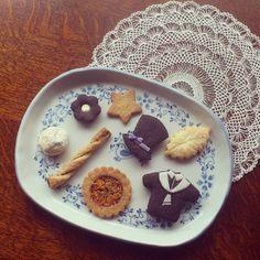 アーモンドサブレ シナモンスティック リーフパイ ホワイトチョコとココアのクッキー くるみボール アーモンドカラメルのサブレ