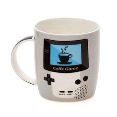 Caneca inspirada no Gameboy. Para apreciar se café e mostrar a todos que você é um gamer que curte os clássicos! A Caneca Game Boy vai em uma caixa de presente super bacana!