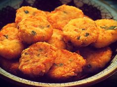 Chunks of golden brown, crispy catfish are seasoned with spicy brown mustard and thyme. Greek Recipes, Baby Food Recipes, Wine Recipes, Vegan Recipes, Snack Recipes, Cooking Recipes, Vegan Food, Snacks, Catfish Nuggets Recipes