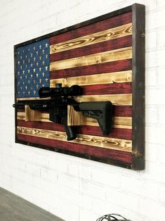 Wooden Pallet Projects, Woodworking Projects Diy, American Flag Wall Art, Wood Flag, Pallet Flag, Pallet Beds, Wood Art, Wood Wood, Barn Wood