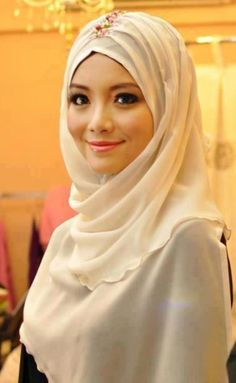 Simple, white, elegant #hijab