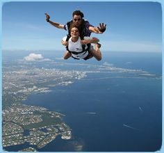 Tandem Skydiving Monday's $179dlls on Pacific Coast Skydiving in Brownfield Airport
