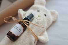 Love this idea for a baby gift: homemade bath mitt and air freshener made from essential oils!