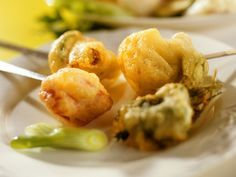 Fondue mit Gemüse im Bierteig | Zeit: 45 Min. | http://eatsmarter.de/rezepte/fondue-mit-gemuese-im-bierteig
