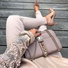 This #style  Yes or no ? ❤️ Shopping link in bio➡ use coupon <lovefashion> to get 10% off  ❤️ #comment#jeanswithpearls #rippeddenim #denimripped #sneakers #denim #heels#beigeheels#guess#misssixty #replay#beautiful#cool#awesome#greatstyle#bluejeans#bluejeanswhiteshirt# #sandals #rippedjeans #jeans