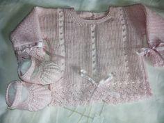 Perle cotton (fingering weight). Little bobbles on stocking stitch ground. ~~ Canastillaenlana, Modelo Ana 2 by Esperanza Rodriguez Fernandez