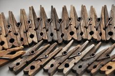 Set of 28 vintage clothespins, wooden clothes pins, clothes pegs, laundry supplies, clip style clothespins