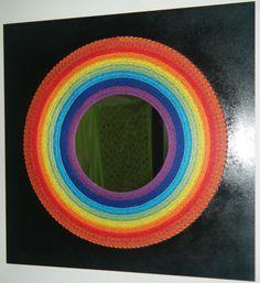 Modelo LinhasdoCunha.Quadro de linhas e pregos com espelho sob base de madeira de 0,55 x 0,55 pintada.